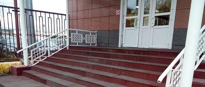 Перила без монтажа, готовые ограждения лестниц можно купить!
